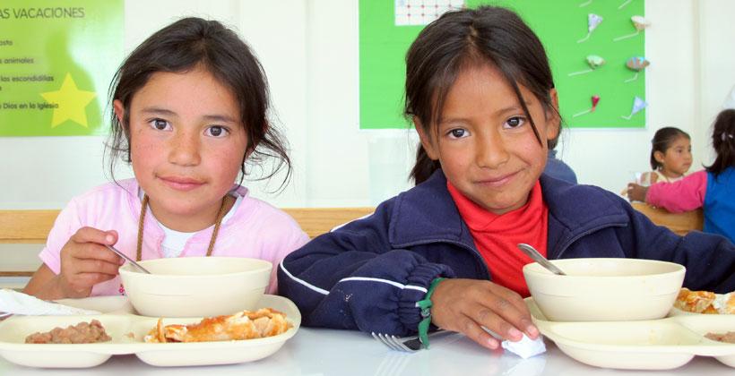 Grupo Alsea combate la desnutrición infantil